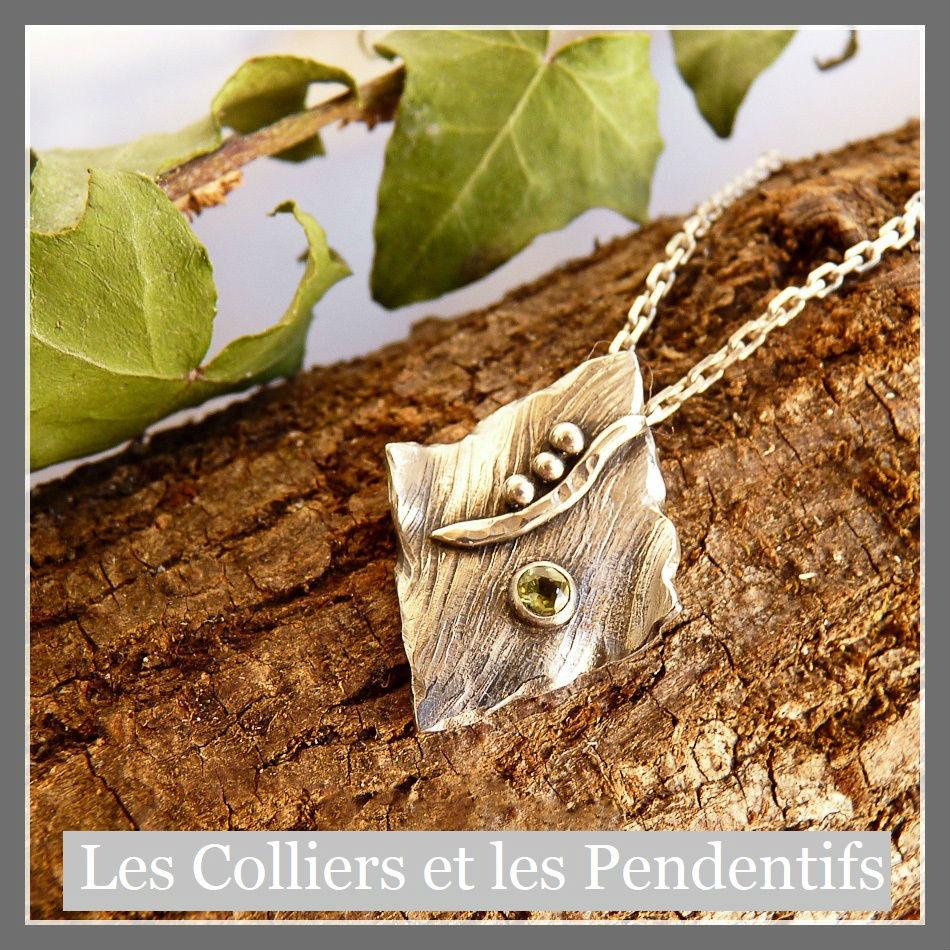 Collier en argent texturé, fil et perles et pierre péridot vert