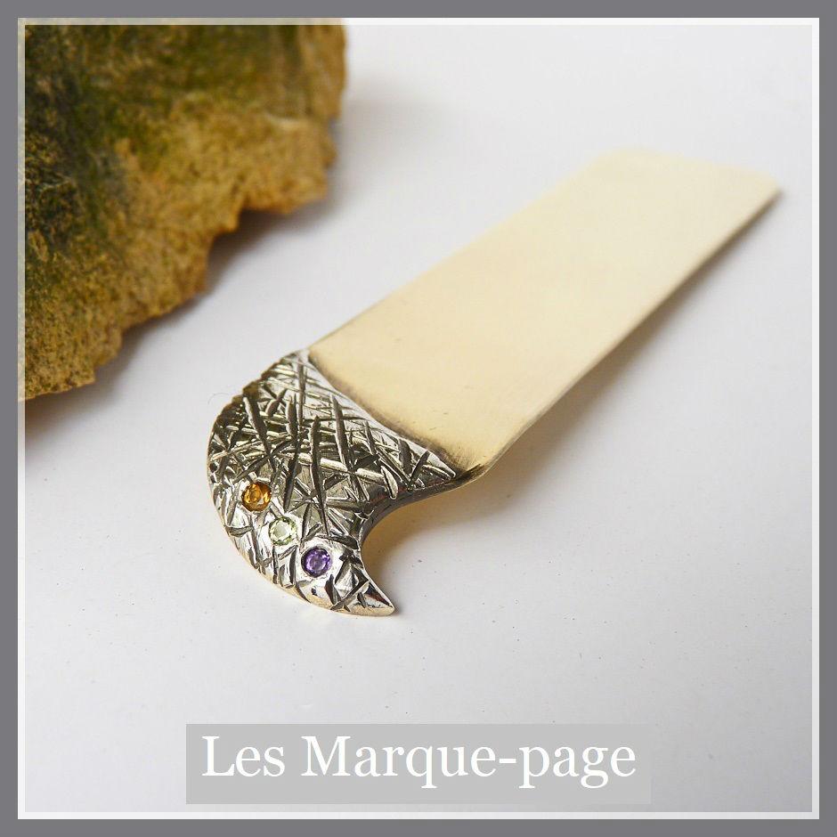 Marque page en argent ciselé, laiton et pierres fines améthyste, péridot et citrine